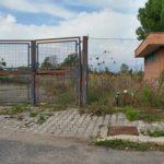 La sede in disuso dell'ex As Campoboario, la società calcistica del quartiere di Latina un tempo appartenuta a Costantino Cha Cha Di Silvio e Gianluca Tuma