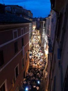 La fiaccolata organizzata ad Anagni per la morte di Anna Maria Ascenzi