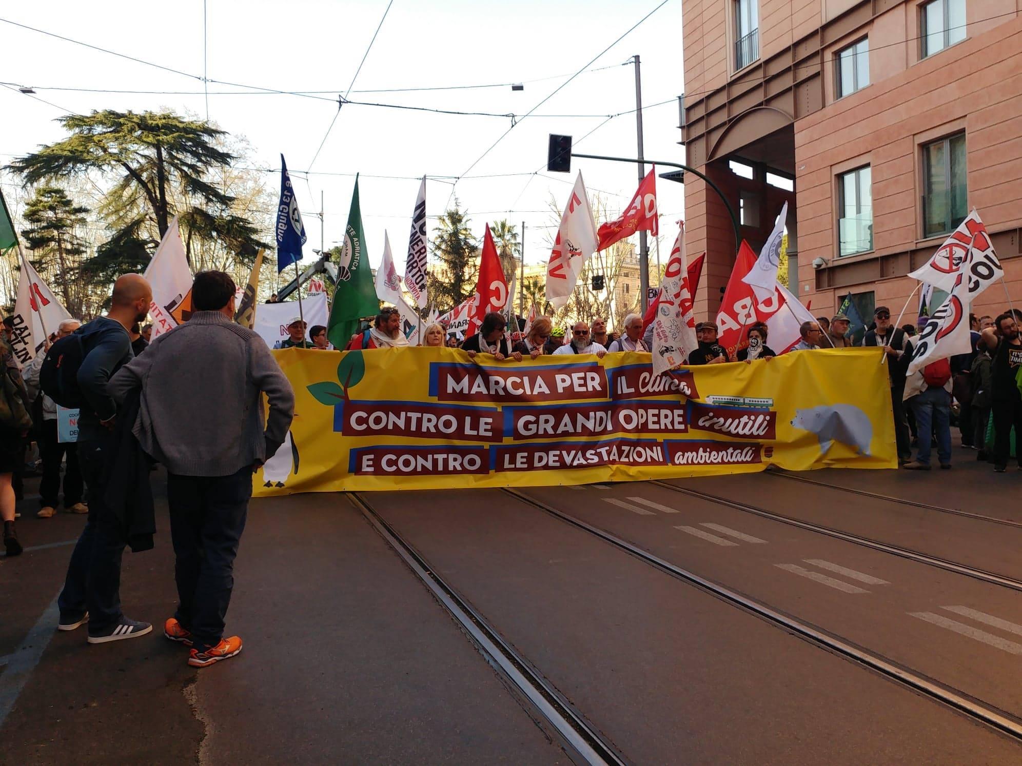 Marcia-per-il-Clima-e-contro-le-Grandi-Opere-Inutili19.jpg