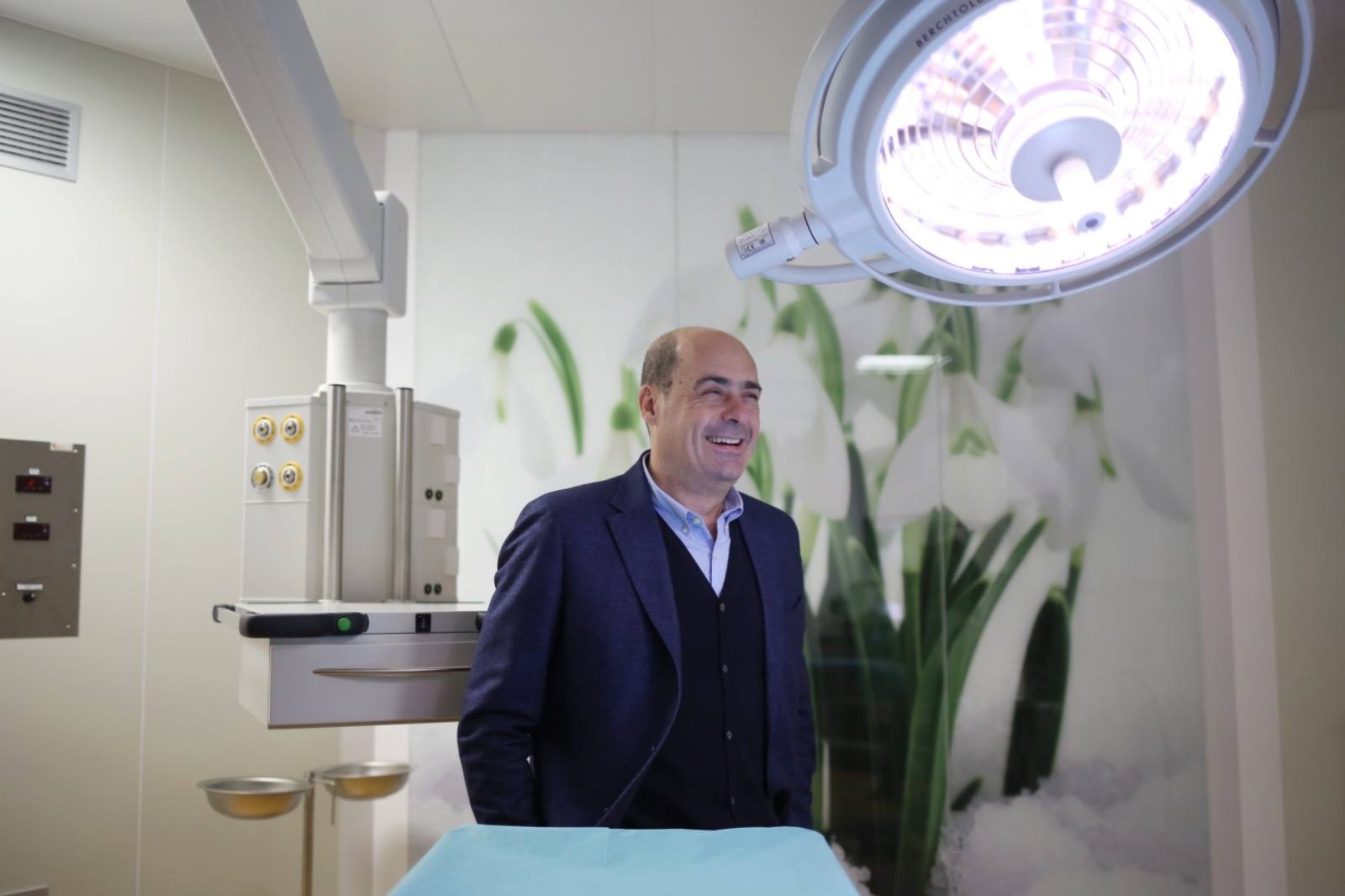 Nicola Zingaretti all'ospedale