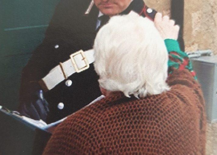 Anziana e carabiniere