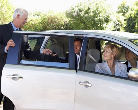 Carpooling indica una modalità di trasporto che consiste nella condivisione di automobili private tra un gruppo di persone, con il fine principale di ridurre i costi del trasporto: è uno degli ambiti di intervento della cosiddetta mobilità sostenibile.