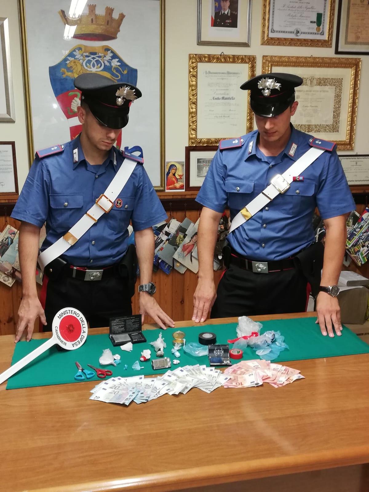 Carabinieri a Fondi