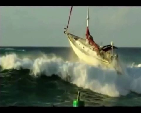 barca ribaltata