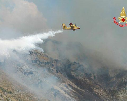 Incendio sul monte redentore di formia