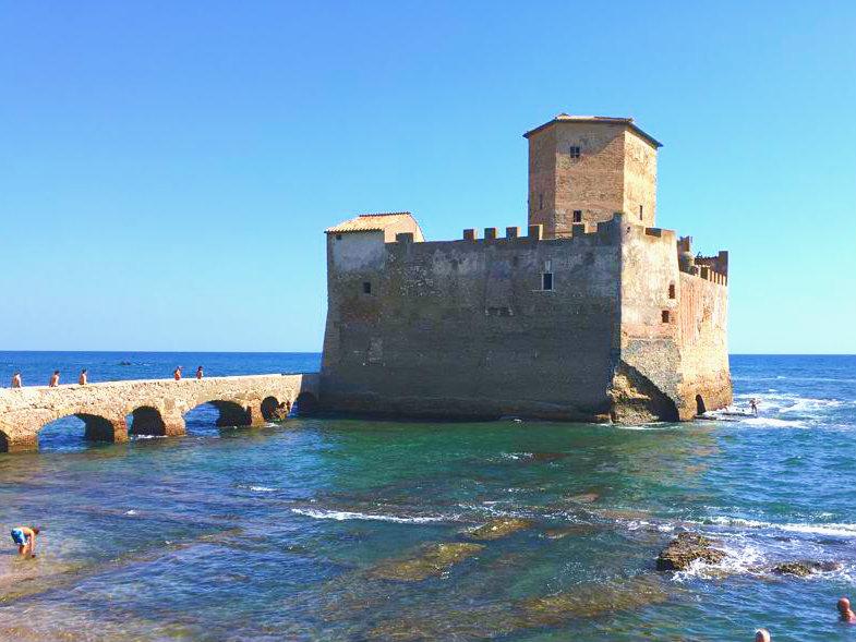 Torre Astura, il castello