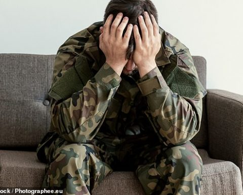 suicidio militare di formia cremona