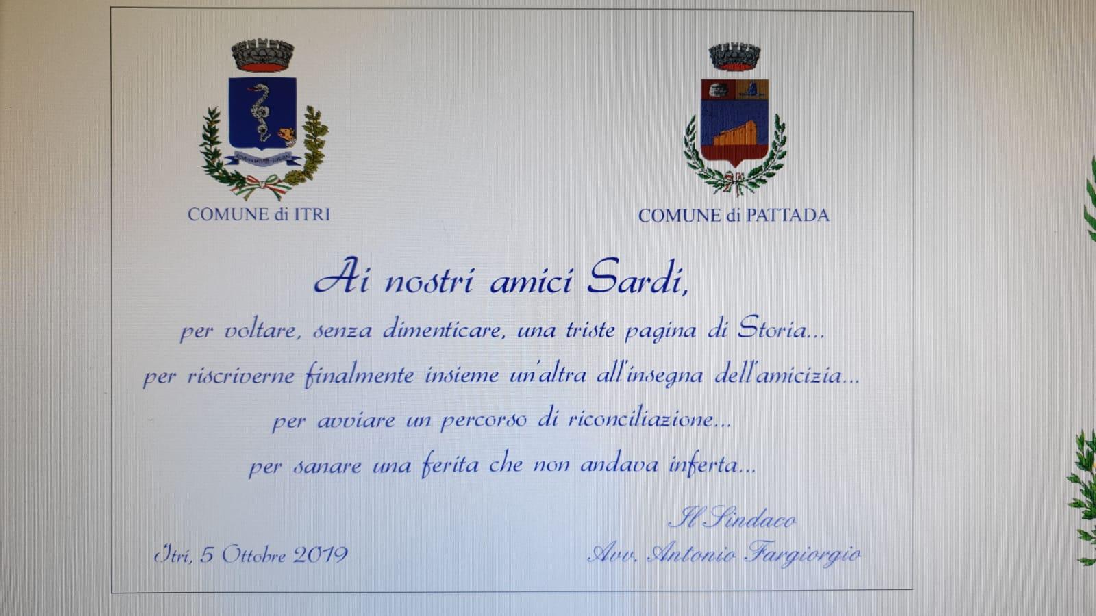 Solinas e la targa del sindaco di Itri a Pattada