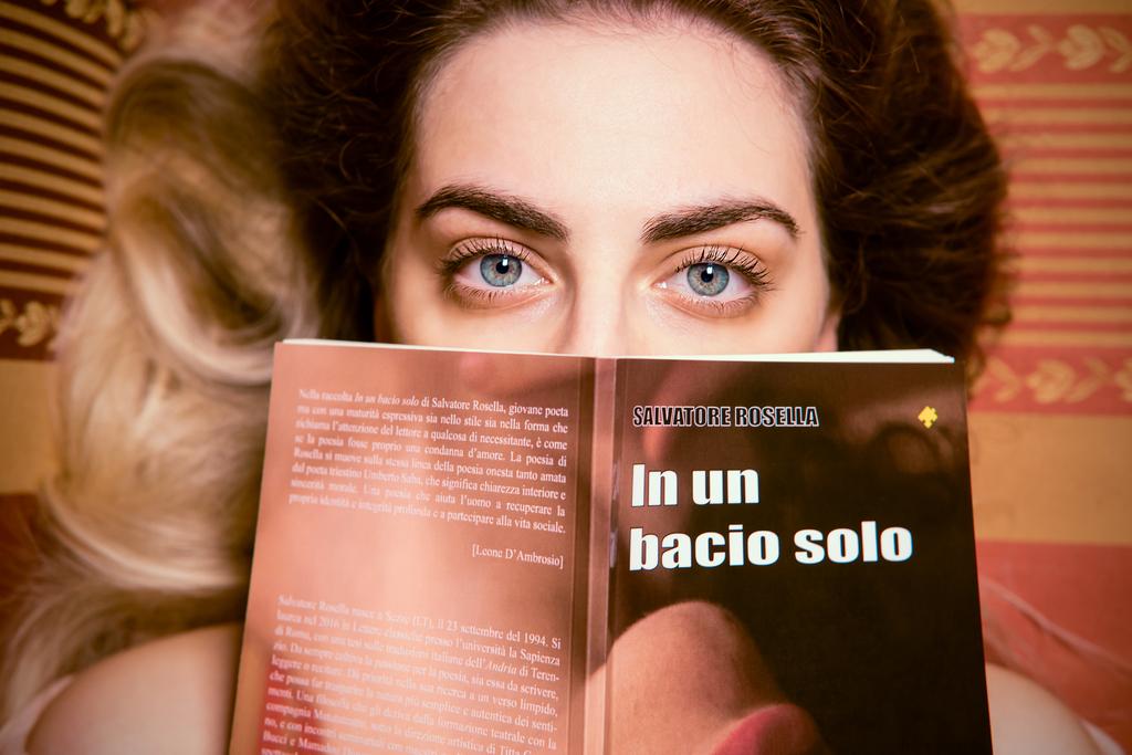foto Mirco Oppo con Libro