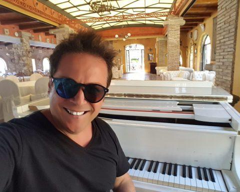 Rocco Palazzo in foto dal suo profilo FAcebook scattata all'Aeneas Landing di Gaeta