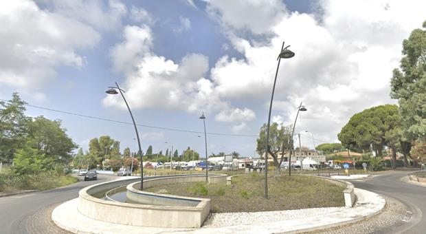 Rotonda tra via del Lido e via Nascosa a Latina, intitolata a ROssella angelico