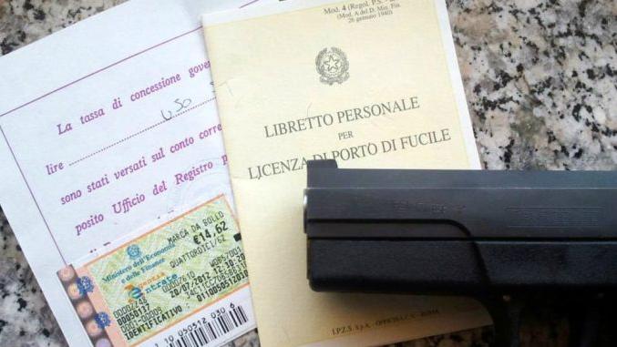 terracina certificati falsi porto d'armi