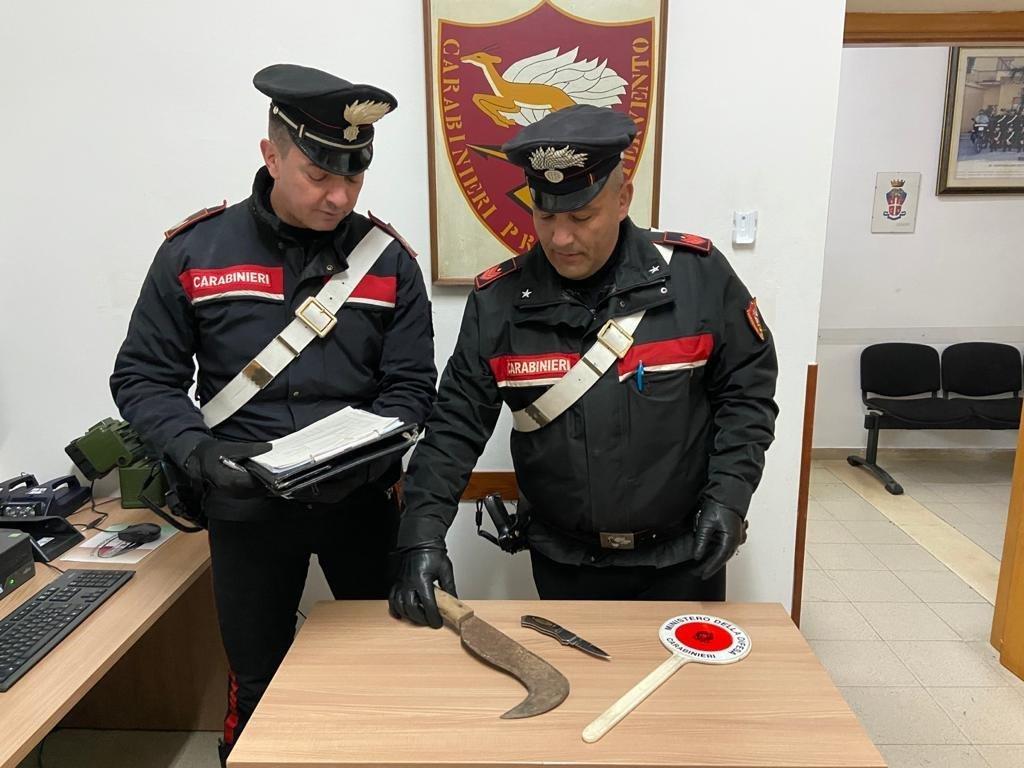 Latina armi bianche