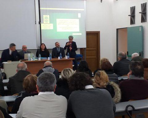 L'incontro del 21 dicembre, nella Sala Tullio Levi Civita del Palazzo Caetani di Cisterna di Latina, oggetto del comunicato di Potere al Popolo contro politici e amministratorijpg