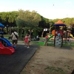Il parco giochi in Piazza Gemini