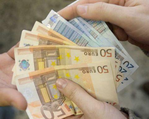 estorsione-racket-soldi
