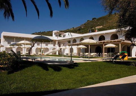 Hotel Grotta di Tiberio (credit to www.hotelasperlonga.com)