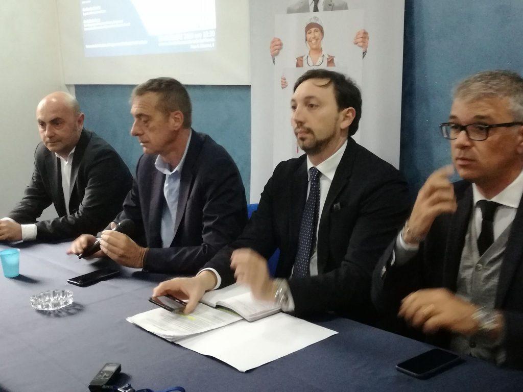 L'onorevole Trano di fianco al Presidente Confcommercio Lazio Giovanni Acampora