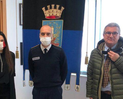 Sara Norcia, il comandante della polizia locale di Latina Francesco Passeretti e il presidente Anaci Nicola D'Alberti