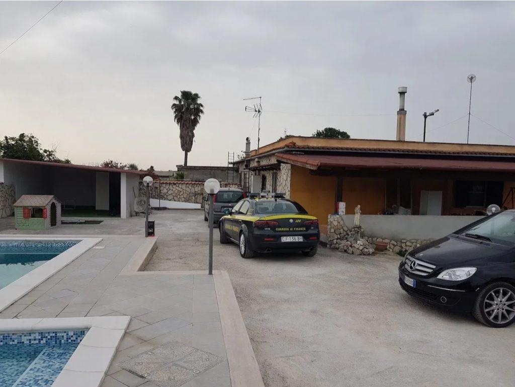 La villa con piscina sequestrata a Iovinella