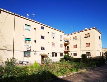 Alcune caratteristiche case di Via Emanuele Filiberto nel Quartiere Nicolosi: la rissa di stanotte tra cittadini rumeni è avvenuta all'angolo con Via Marchiafava