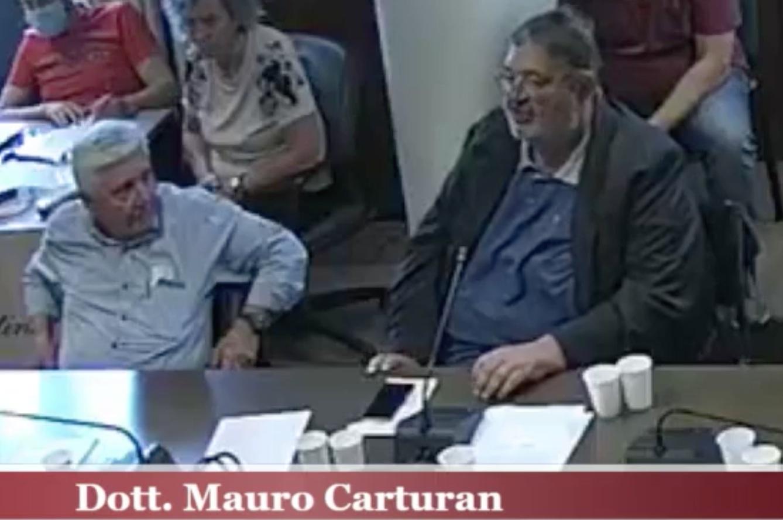 Mauro Carturan, il Sindaco di Cisterna durante il Consiglio Comunale