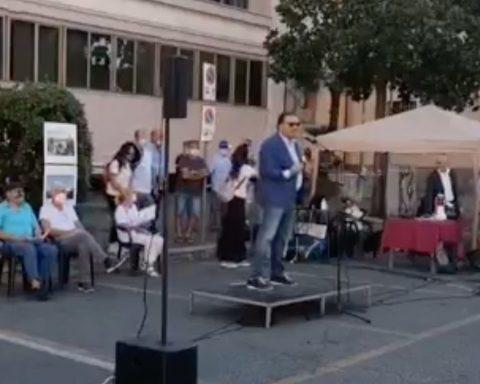 Il Sindaco Antonio Terra interviene alla manifestazione di Tuteliamo 2.0