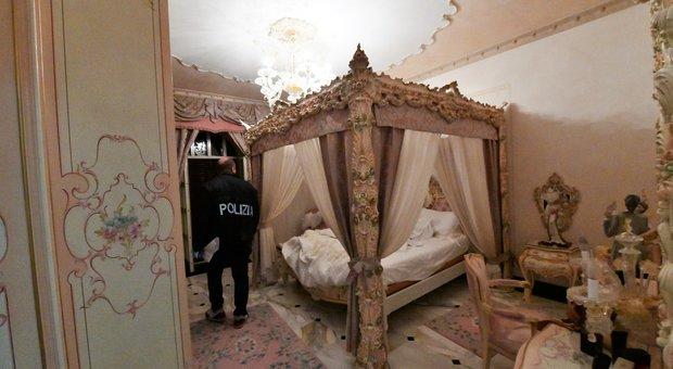 Gli interni della Villa di Via Roccabernarda sequestrata al Clan Casamonica