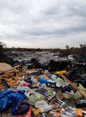 Al Karama 2, dove dovrebbe sorgere il nuovo campo rom, proprio accanto a quello attualmente occupato