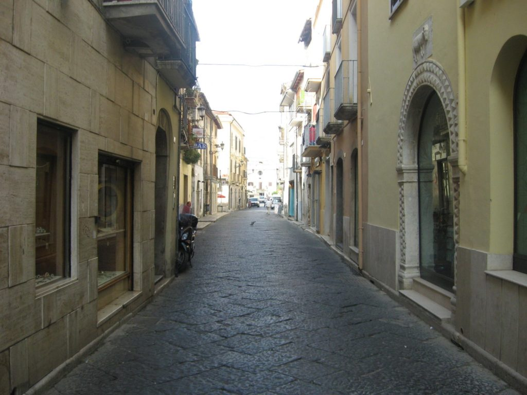 Corso Appio Claudio, Fondi