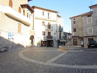 Lenola, Piazza Cavour