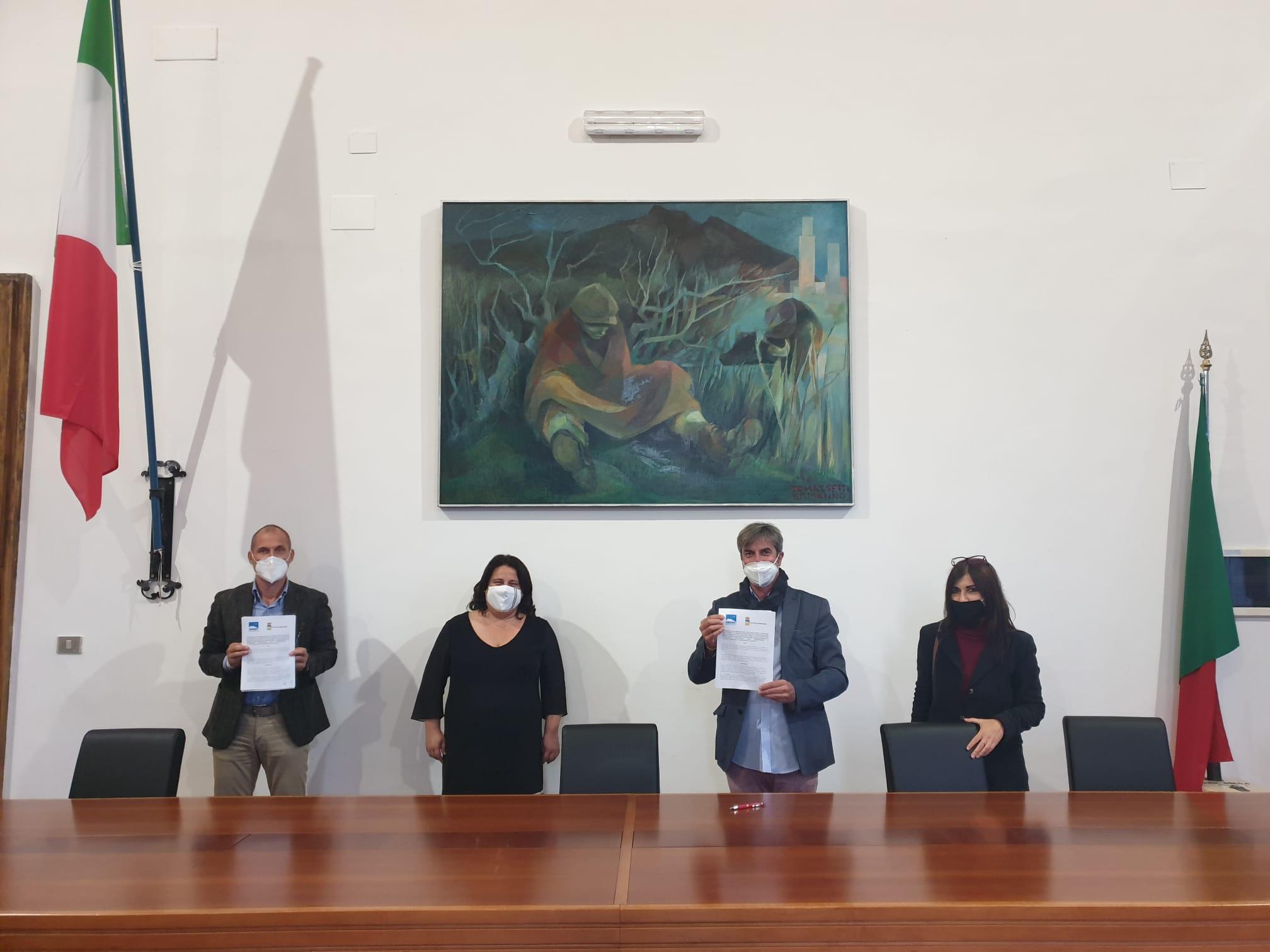 firma accordo Ciclovie del Mare