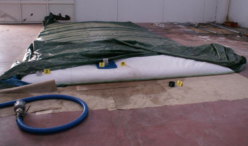 la sacca termica nella quale veniva depositato, in attesa della vendita, del carbolubrificante