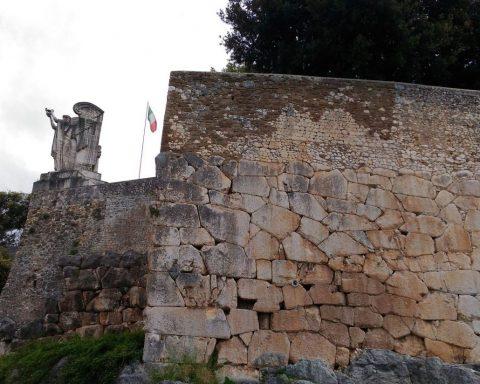 mura millenarie