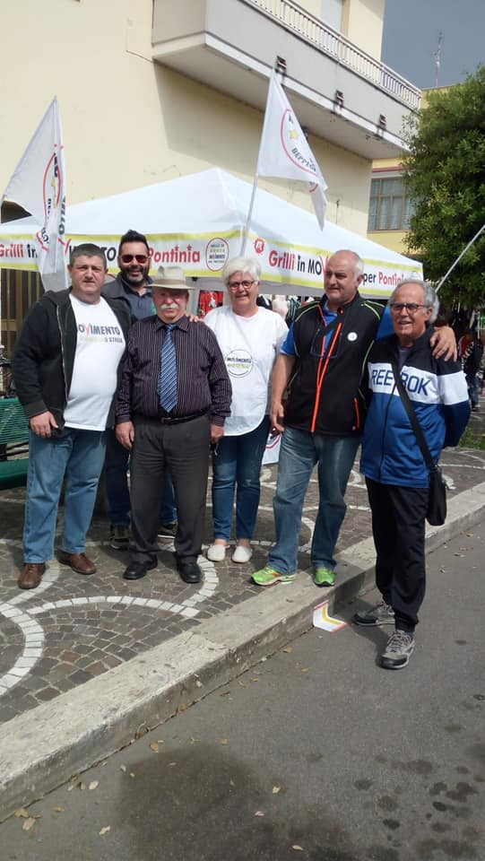 Alcuni degli attivisti 5stelle di Pontinia in una foto del maggio 2019