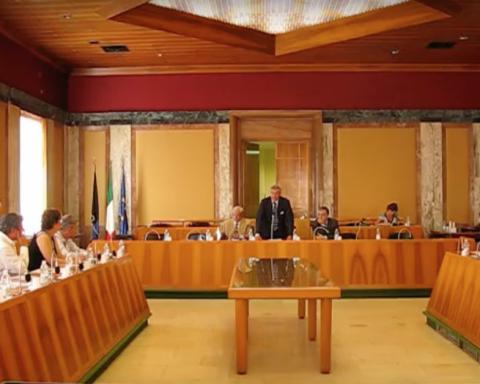 Un intervento di Vincenzo Zaccheo in Consiglio Comunale di Latina quando era il primo cittadino