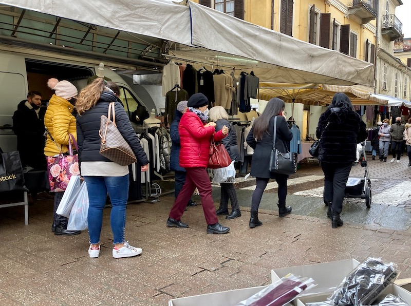 mercato-carmagnola-via-valobra