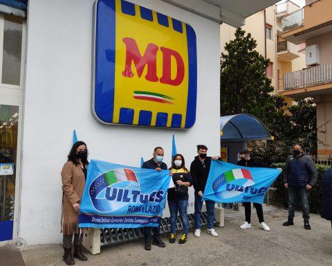 Presidio di fronte al punto vendita MD di Terracina