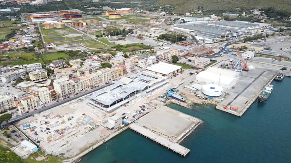 Complesso commerciale a Gaeta