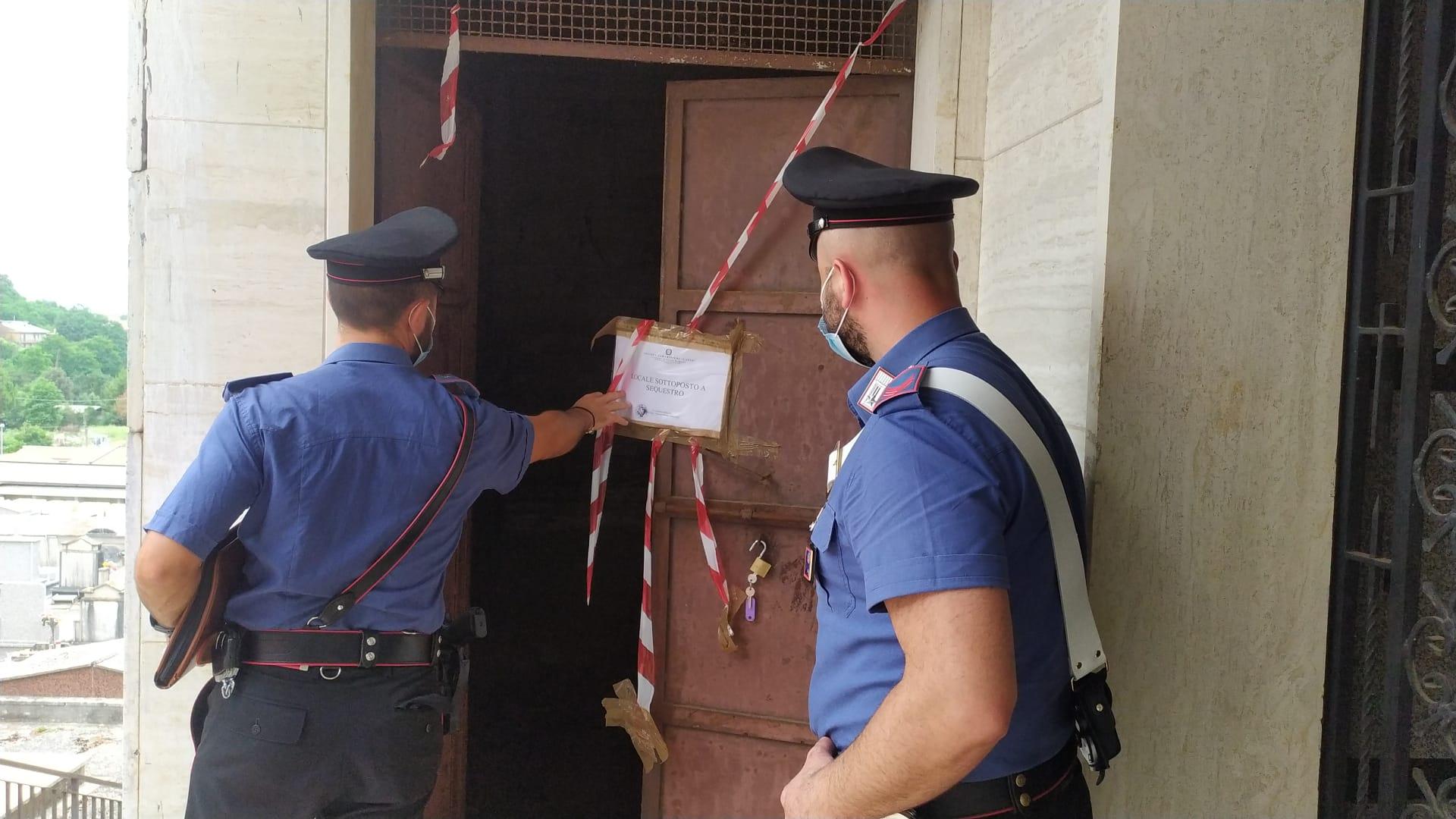 Alcune fasi del sopralluogo eseguito dai Carabinieri