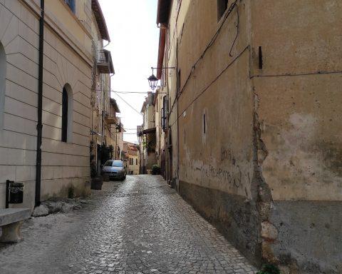 Una delle immagini postate sul profilo non ufficlae del Sindaco Bilancio in cui un cittadino le chiede in merito a un problema di viabilità in Via Pagani