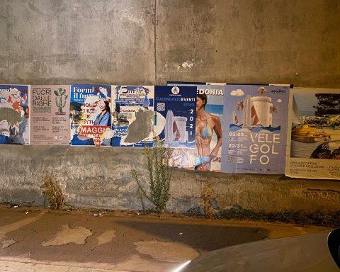 Manifesti in Via Palazzo, Formia