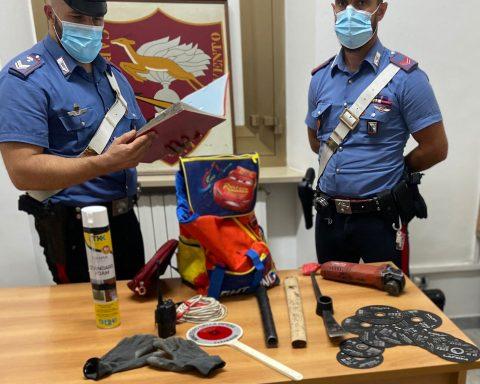 """Il materiale da """"scasso"""" rinvenuto dai Carabinieri del N.O.R.M. di Latina"""