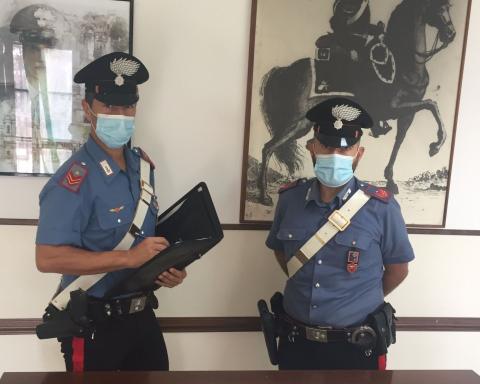Coltelli sequestrati dai Carabinieri di Terracina