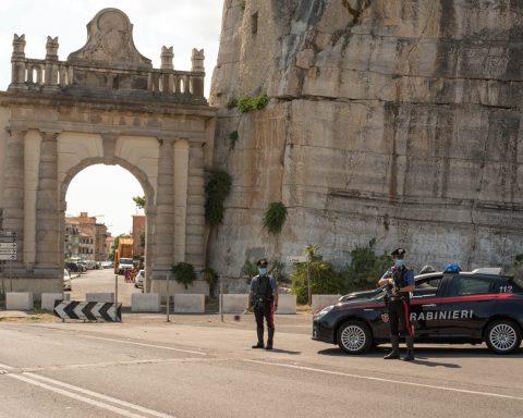 I Carabinieri dell'aliquota Radiomobile della Compagnia di Terracina
