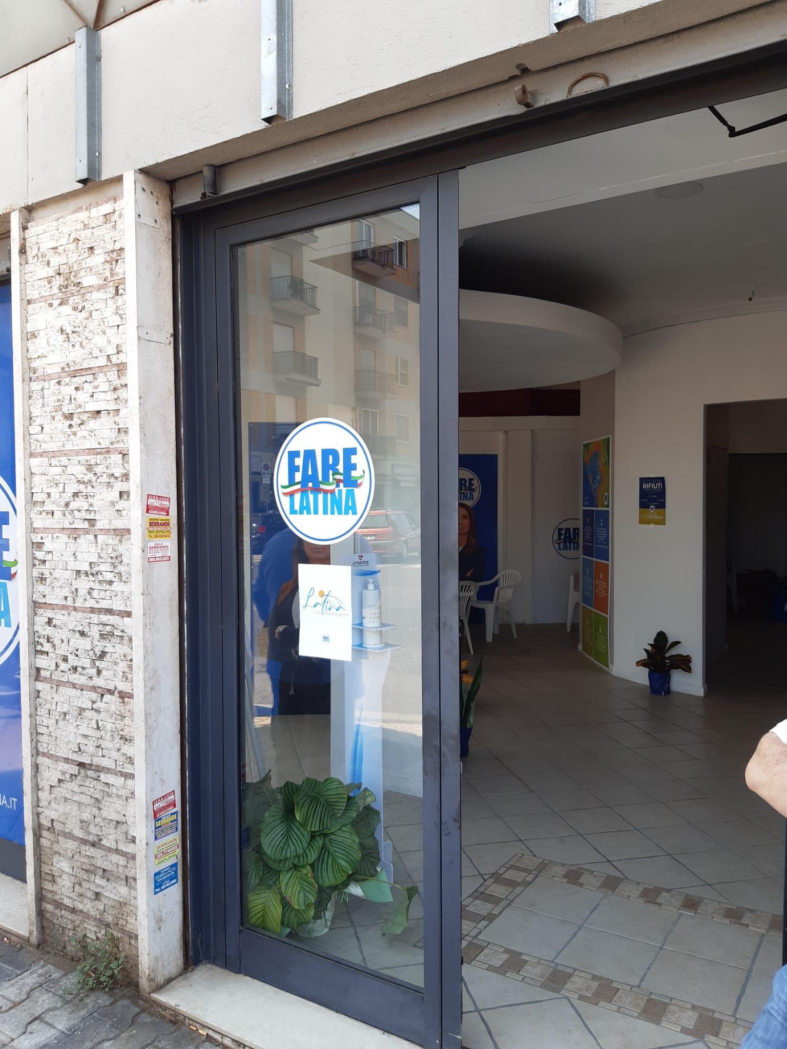 Il point elettorale di Annalisa Muzio dove è stato aggredito il candidato consigliere comunale Massimo Gibbini