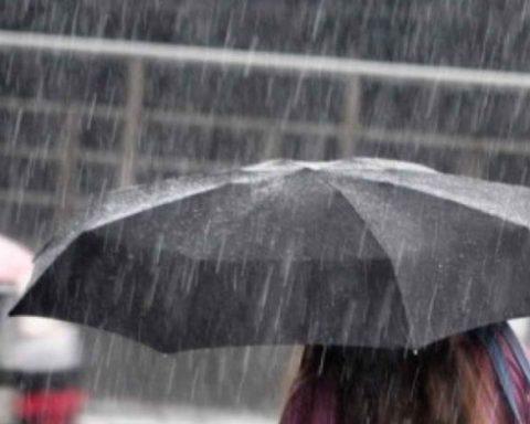maltempo-ombrelli-aperti-nel-week-end-arrivano-pioggia-e-freddo